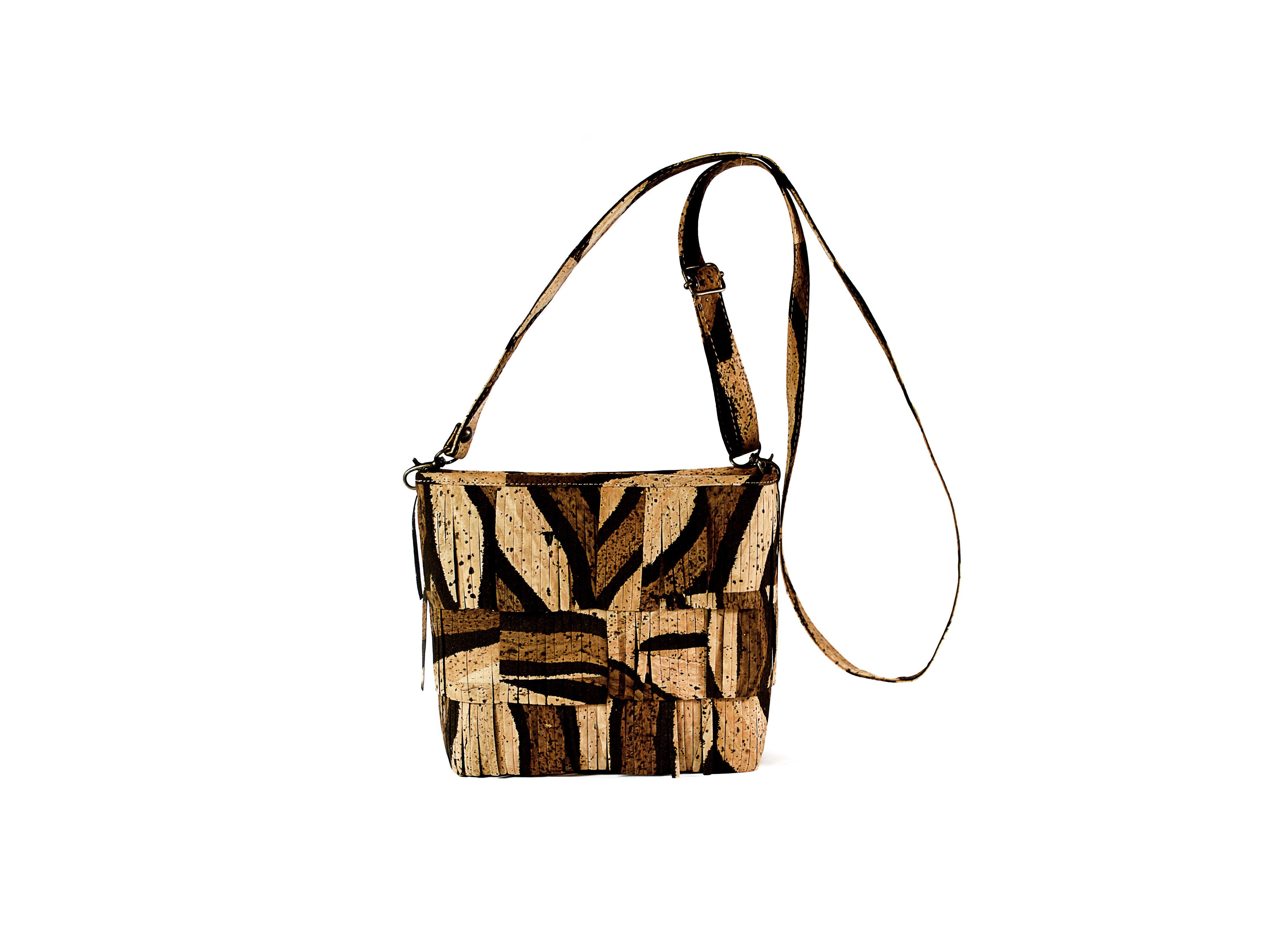 Buy cork bag 67m. Buy cork bag 67m in Spain. Buy cork bag 67m in Portugal. Buy cork bag 67m in the Canary Islands